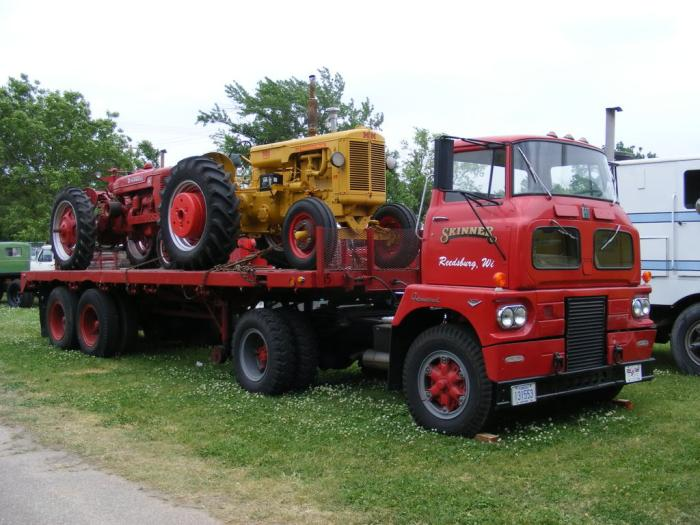 What Is This Convoy Car Hauler Tractor? WAI Help Needed